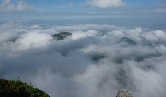 燕岳山頂からの風景1