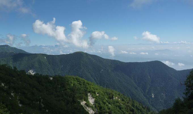 燕山荘からの下山風景1