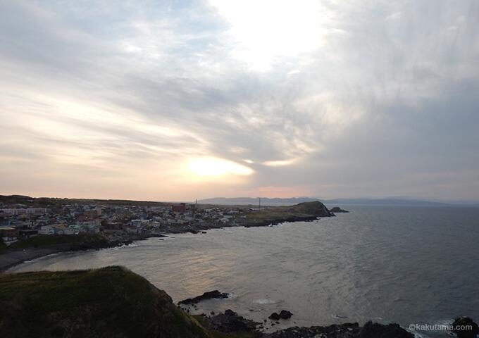 利尻山ペシ岬から見た漁港