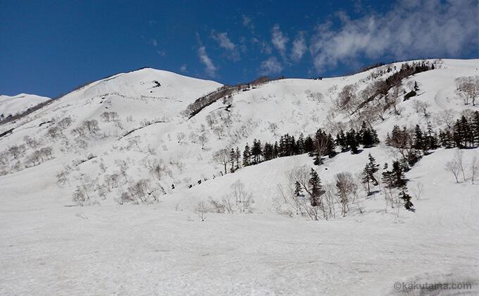 雪原と山々が広がる2