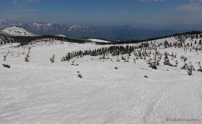 雪原と山々が広がる5