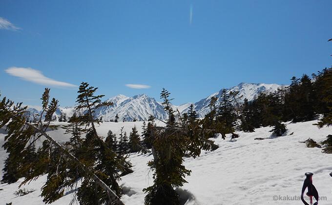 雪原と山々が広がる7