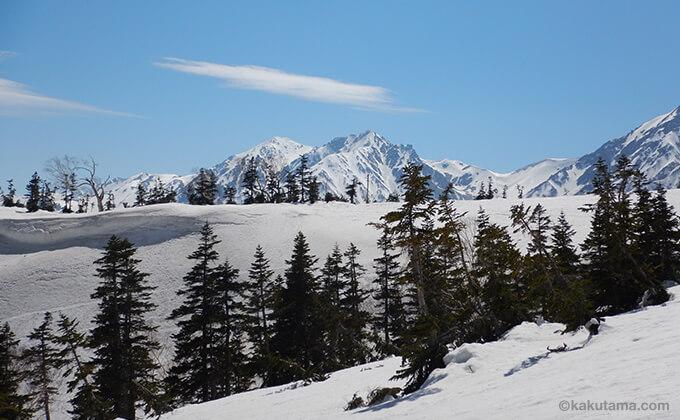 雪原と山々が広がる8