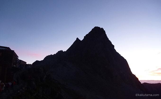 夜明け前の槍ヶ岳
