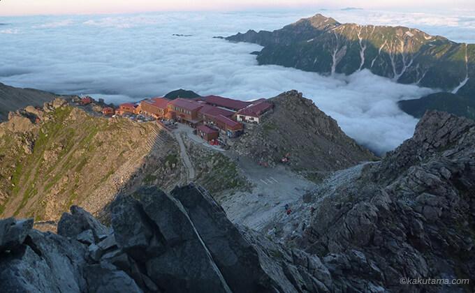 槍ヶ岳山荘を上から見る