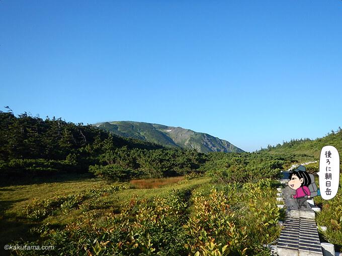 栂海新道から朝日岳を振り返る2