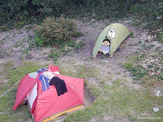 白鳥避難小屋の屋上から見たテント