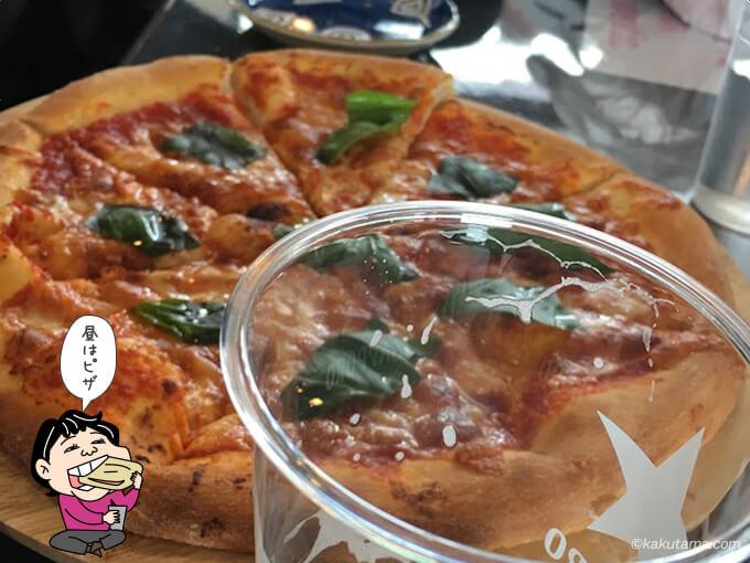 ニセコモイワリゾートのレストハウスのピザ
