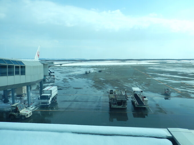 雨の千歳空港