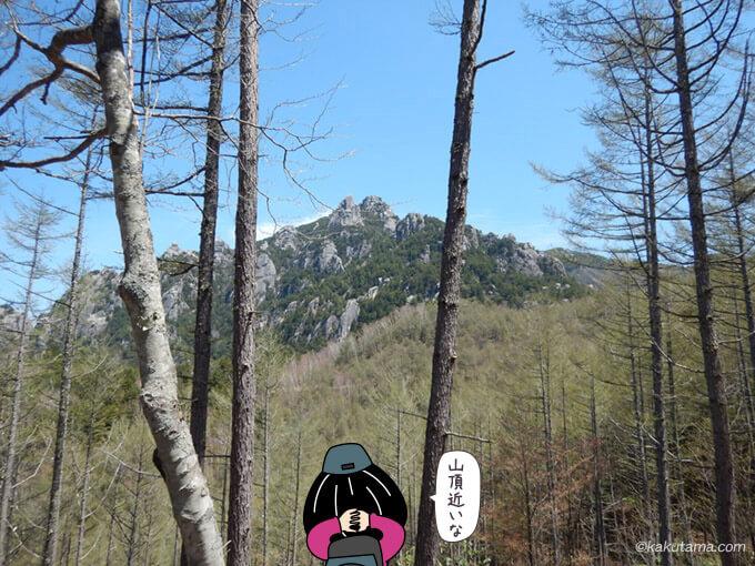 近くに見える瑞牆山