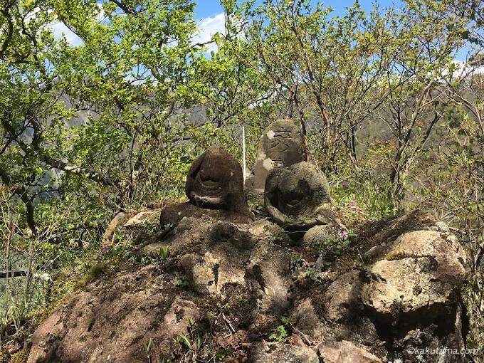 尊仏岩を発見2