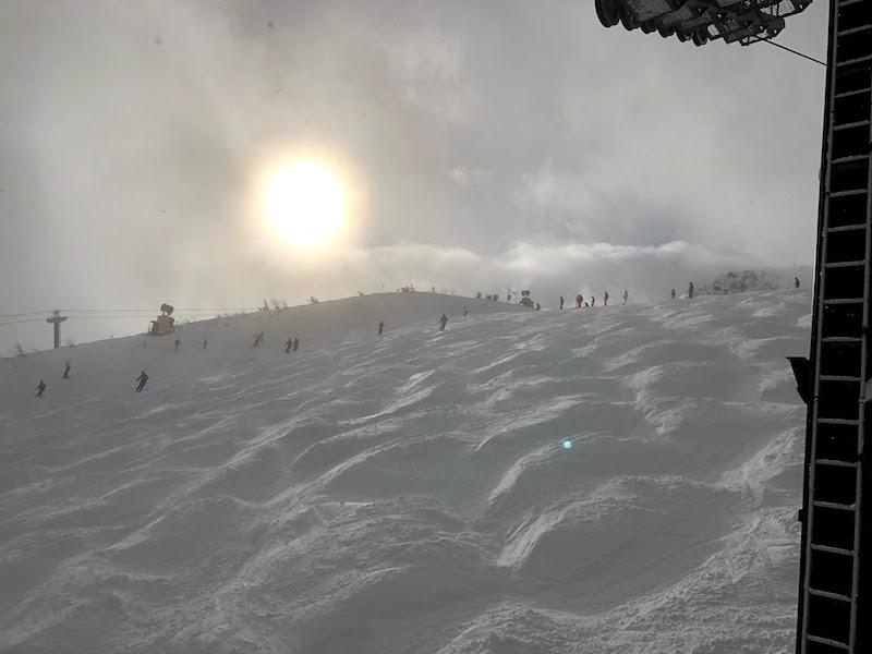 コブだらけの八方尾根スキー場