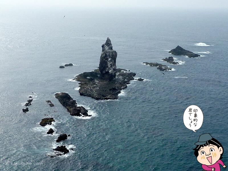 神威岬先端から見る神威岩