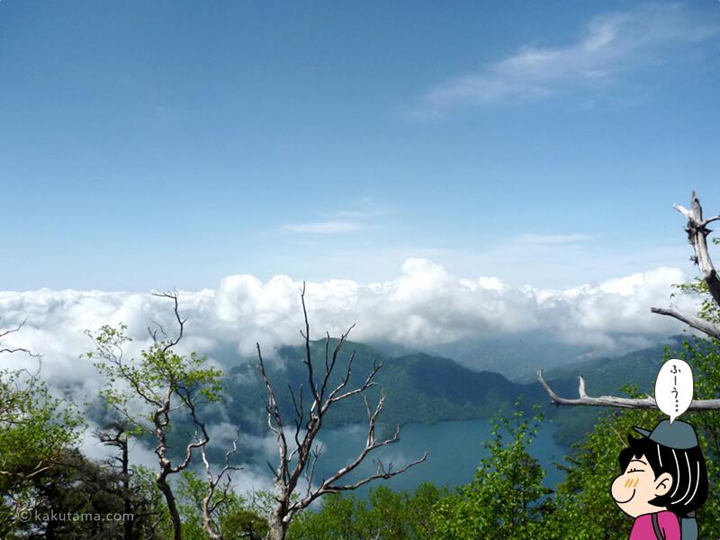 八合目から中禅寺湖を見下ろす2