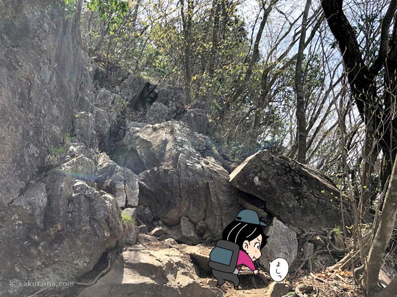 大岳山から鋸山への岩場