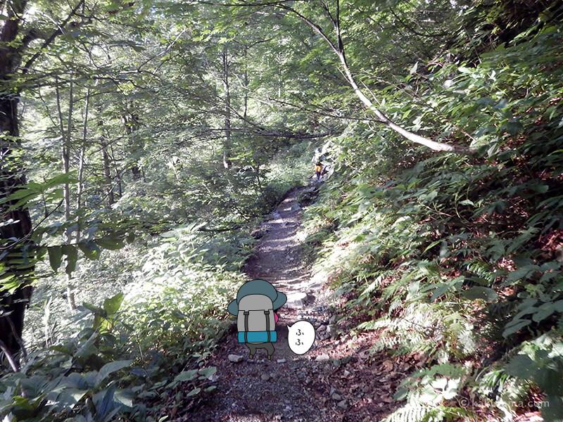 登山口へ入る2