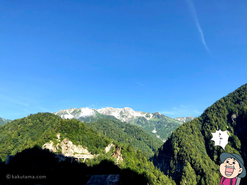 黒部ダムから山を見る1