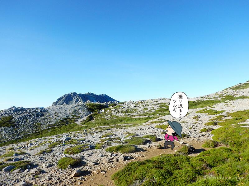 別山南峰へ戻る途中で振り返ると剱岳