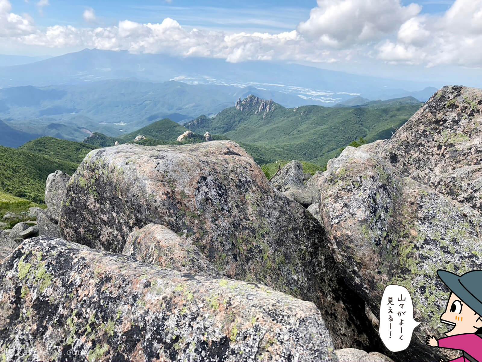 金峰山山頂からも瑞牆山が見える