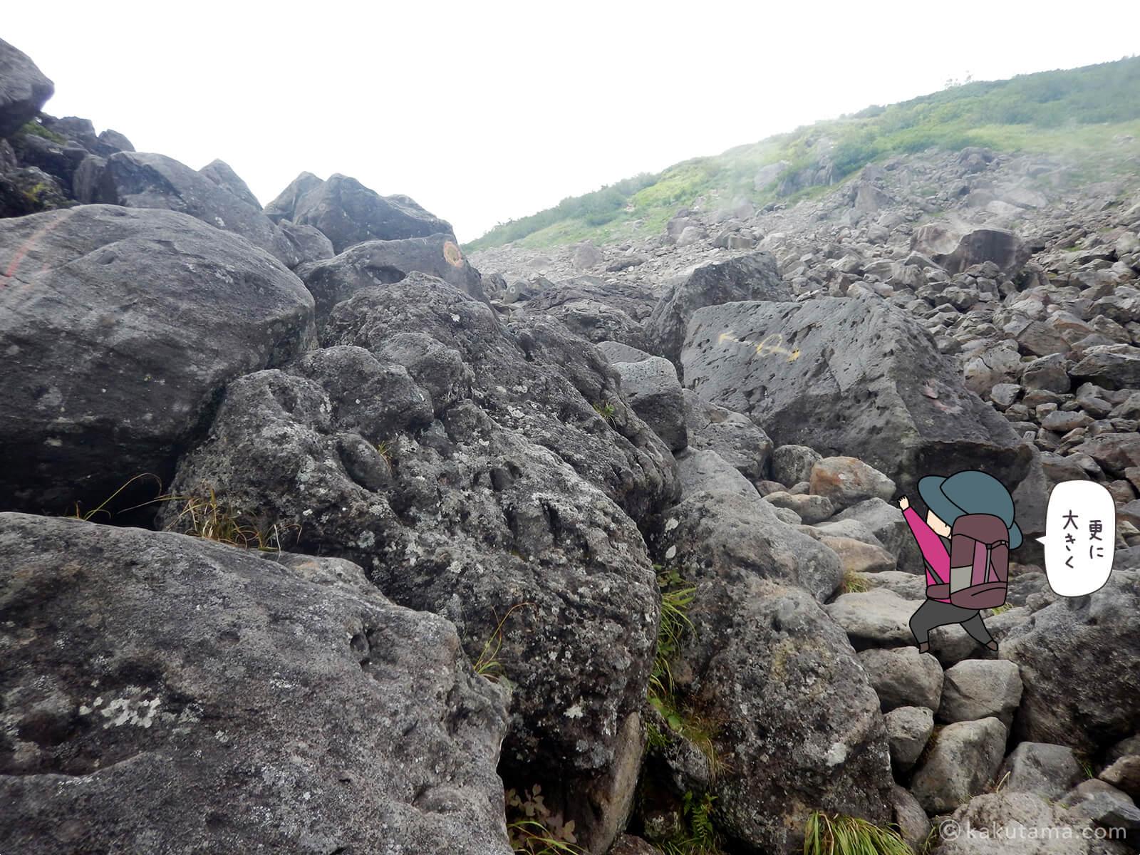 ひたすら岩場を登る3