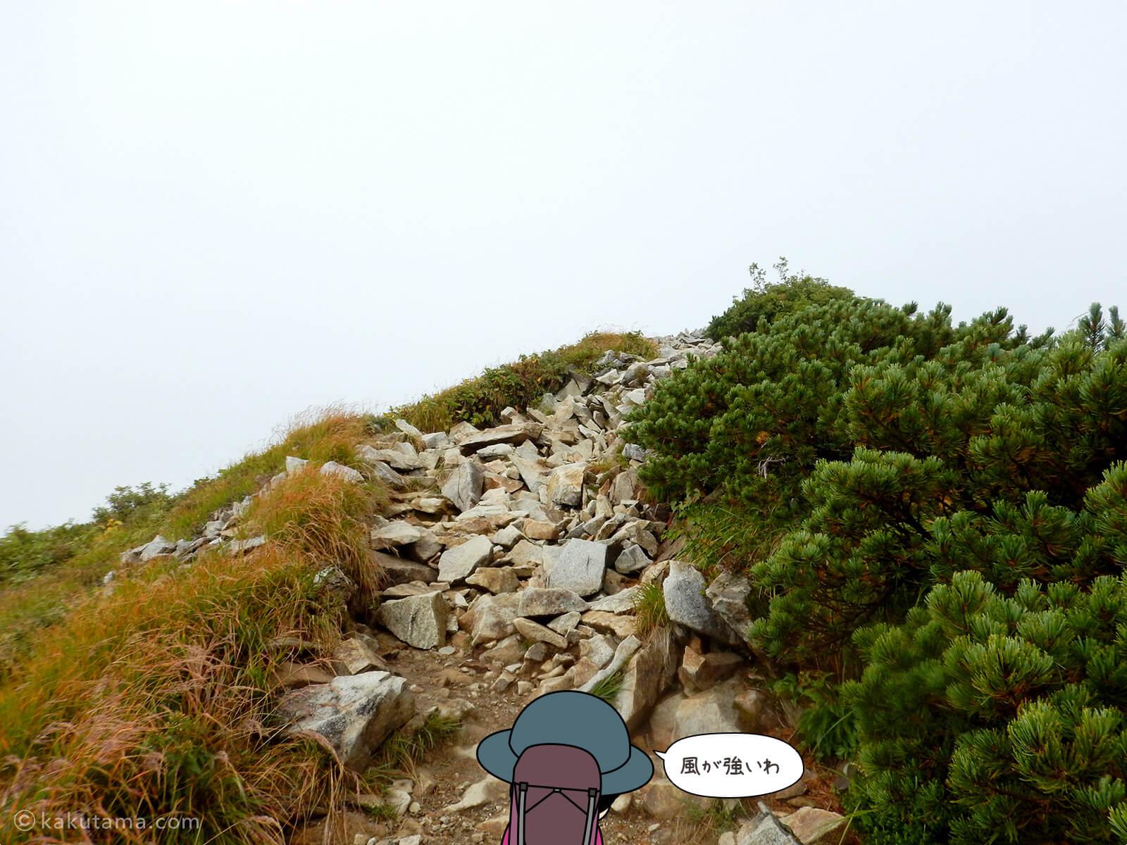 雲に覆われた稜線1