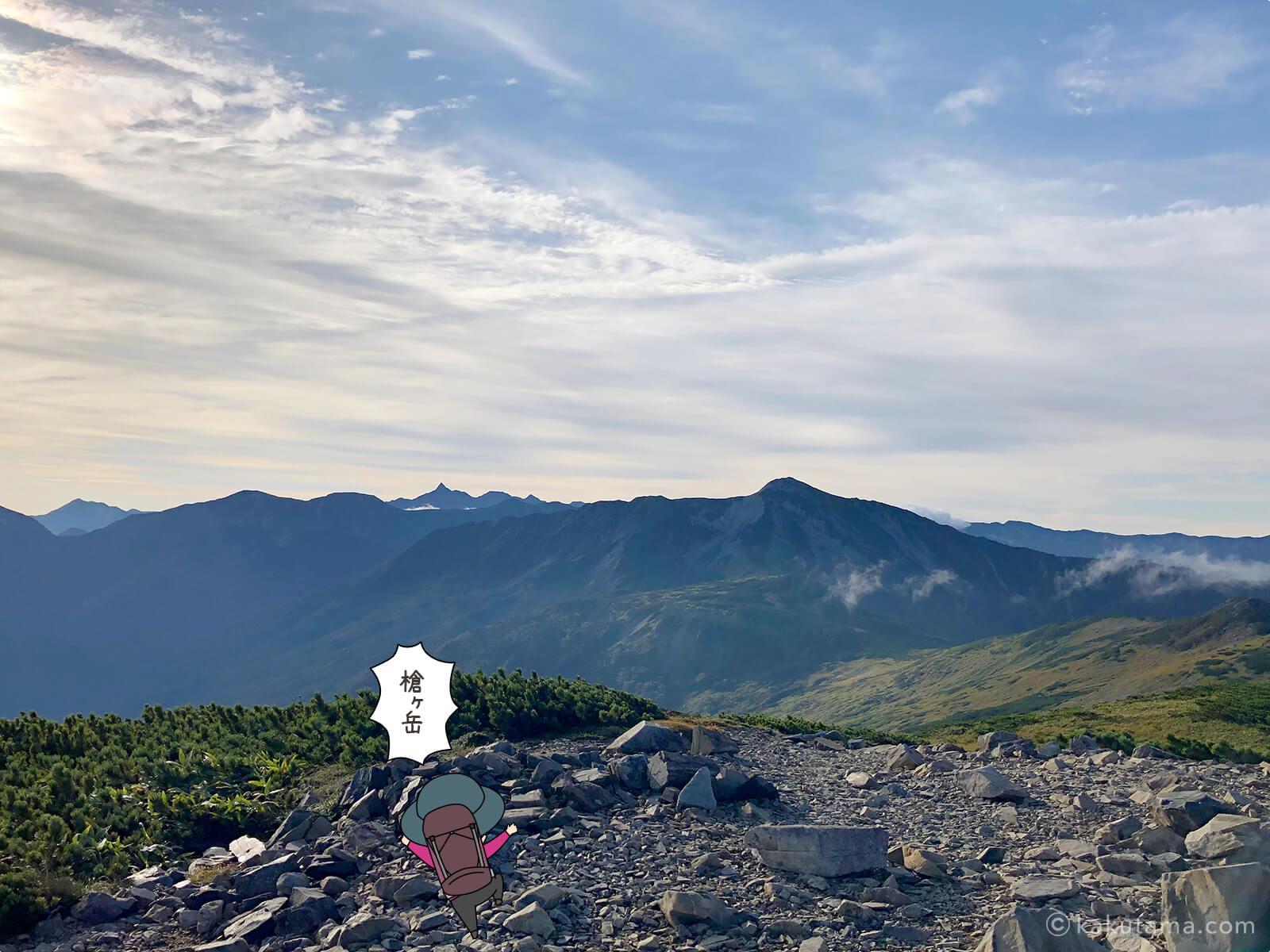 遠くに見える槍ヶ岳