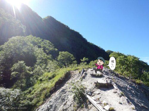 日焼けしそうな登山道